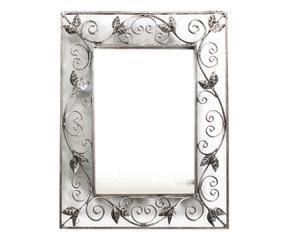 Westwing specchio in ferro battuto eleganza su parete for Specchio in ferro battuto