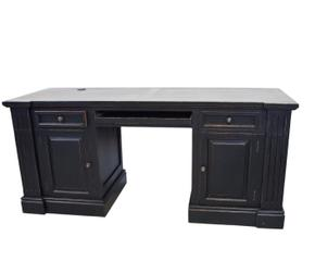 vind je chique chesterfield bureau hier m t korting westwing. Black Bedroom Furniture Sets. Home Design Ideas
