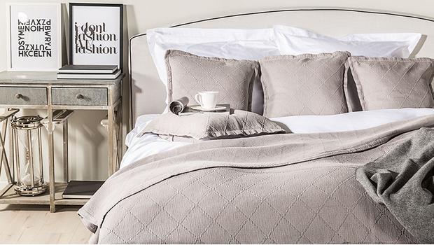 tagesdecke mit kissen teilig xl moderne doppelbett xcm tagesdecke mit kissenbezug bettberwurf. Black Bedroom Furniture Sets. Home Design Ideas