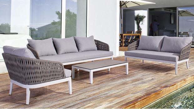 Klassische Garten-Möbel