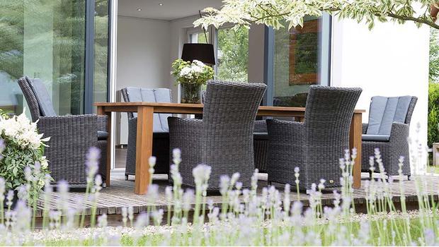 mbm queen s garden teak flecht m bel f r drau en. Black Bedroom Furniture Sets. Home Design Ideas