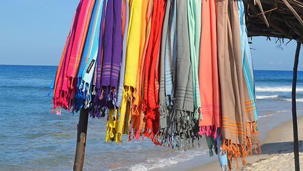 Farbenfrohe Strand-Accessoires