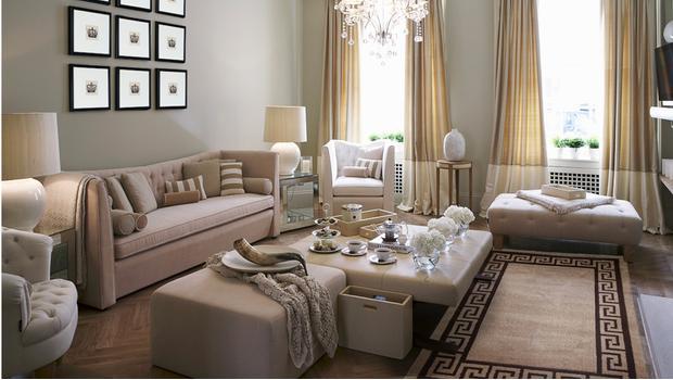 dco classique chic nol dco du salon with salon chic et moderne with dco classique chic. Black Bedroom Furniture Sets. Home Design Ideas