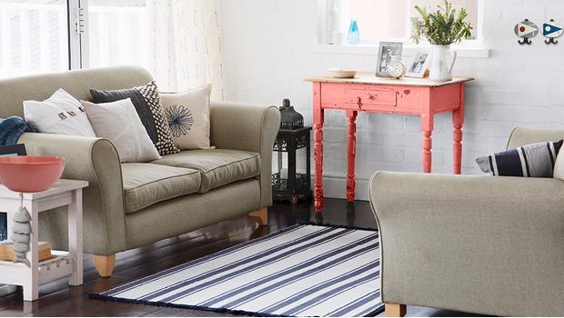 bord de mer en gris et corail mobilier d coration westwing. Black Bedroom Furniture Sets. Home Design Ideas