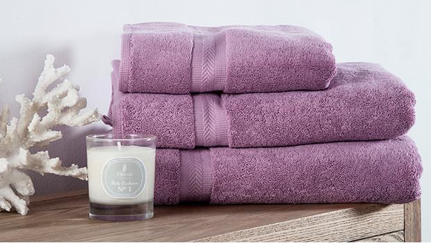 serviettes draps lit homme cassiopée