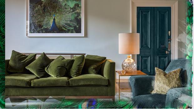 l 39 accord parfait bleu vert les couleurs du paon nous inspirent westwing. Black Bedroom Furniture Sets. Home Design Ideas
