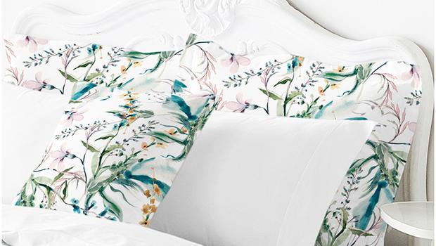 Linge de lit uni et fleuri