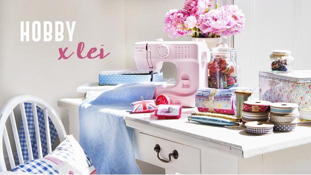 La stanza del cucito mobili luci macchine da cucire for Luci per decorare la stanza