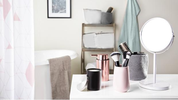 Bagno moderno mobili accessori e tappetini westwing - Accessori bagno moderno ...