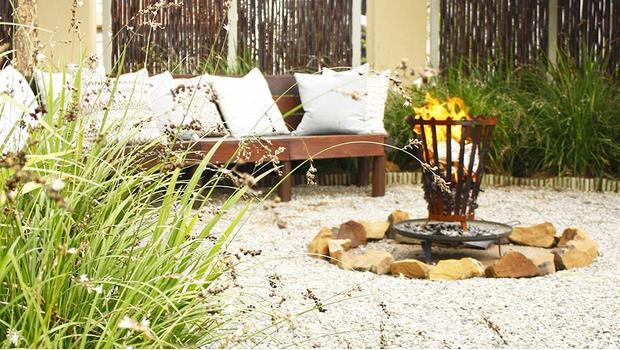 Un braciere in giardino soluzioni per barbecue e aree for Soluzioni per delimitare un giardino