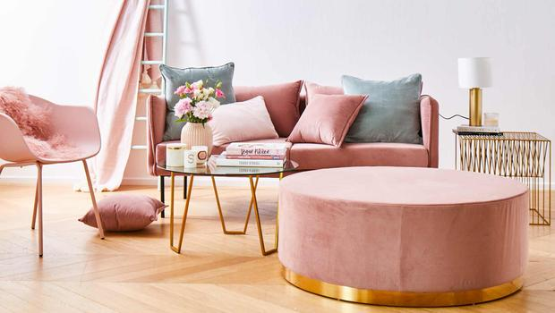 Blush loves metallic