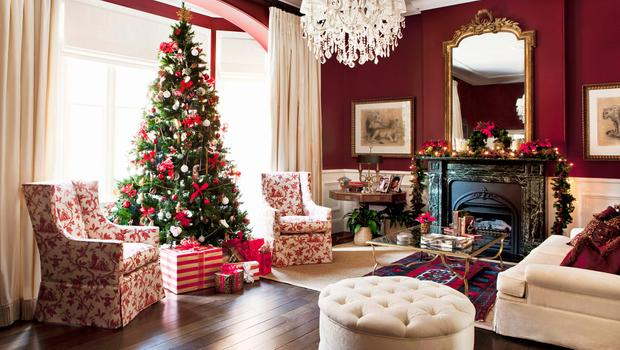 Kerstdecoraties Met Rood : Winternostalgie traditionele kerstdecoratie in rood groen & goud