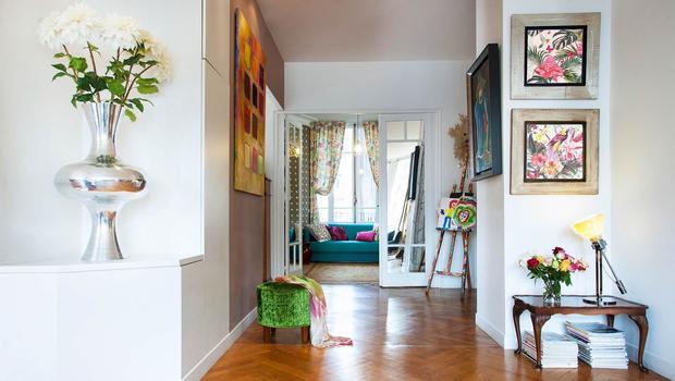 Stalen taatsdeuren als entree in woonhuis stuttgart hoog