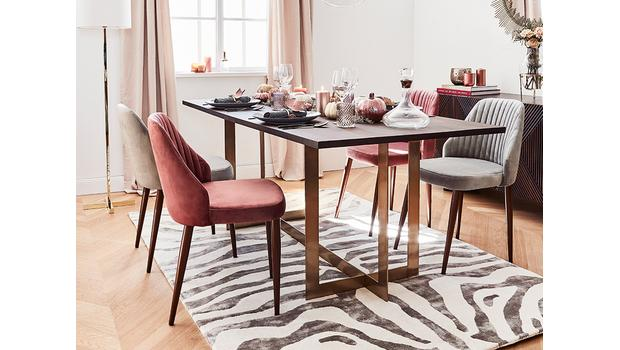 Retro Dining in Style