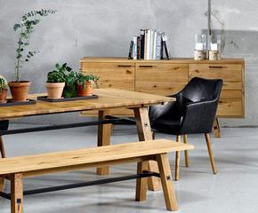 Tavolini, sedute, arredi