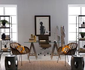 Nábytek, osvětlení a dekorace
