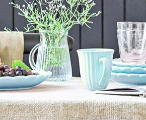 Посуда и текстиль в пастельных тонах